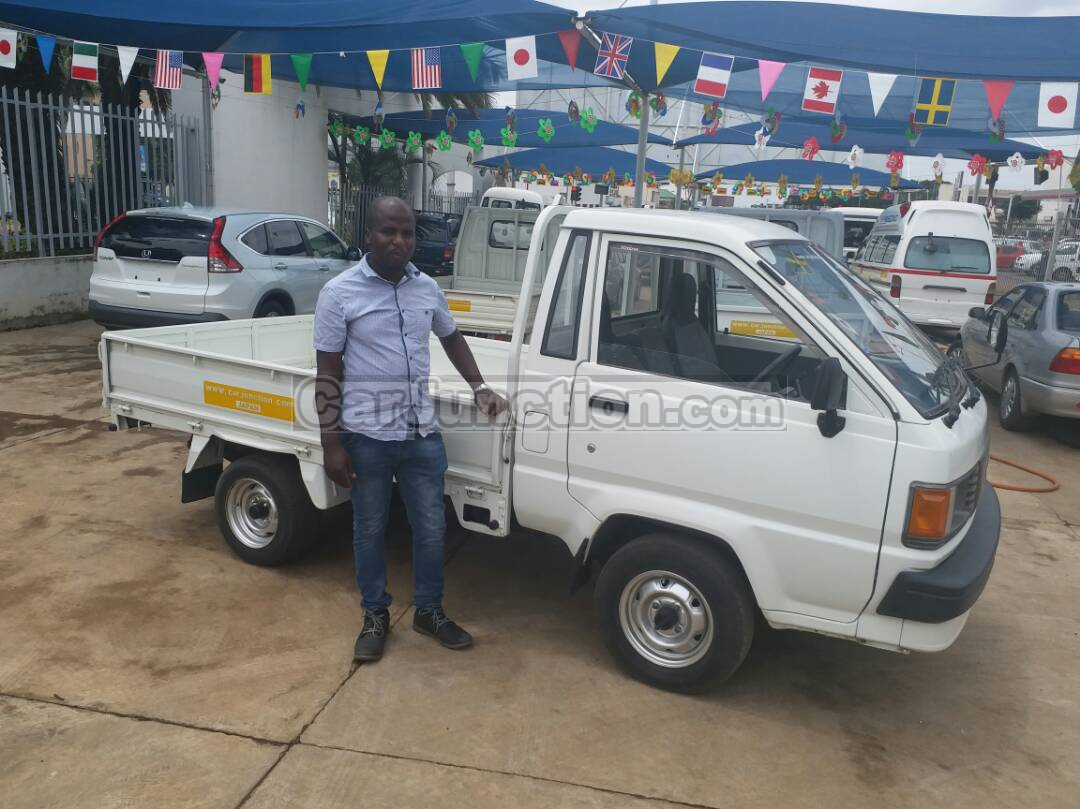 43d022ed36 Used Mazda Bongo for Sale