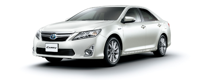 Toyota Camry 2018 in White Pearl Crystal Shine
