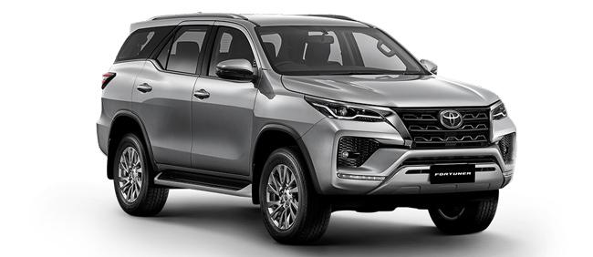 Toyota Fortuner 2021 in Silver Metallic
