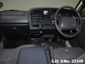 2003 Toyota / Hiace Stock No. 23349