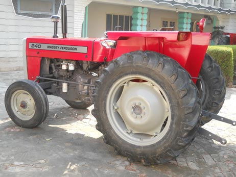 2000 Massey Ferguson / MF-240 Stock No. 56867