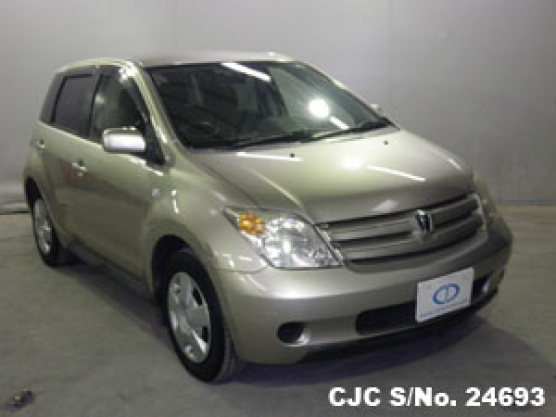 2002 Toyota Ist Beige For Sale | Stock No. 24693 | Japanese Used
