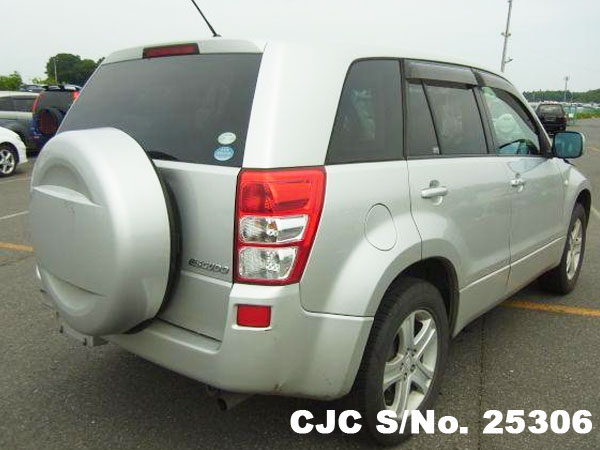 Back View of Suzuki Escudo Grand Vitara