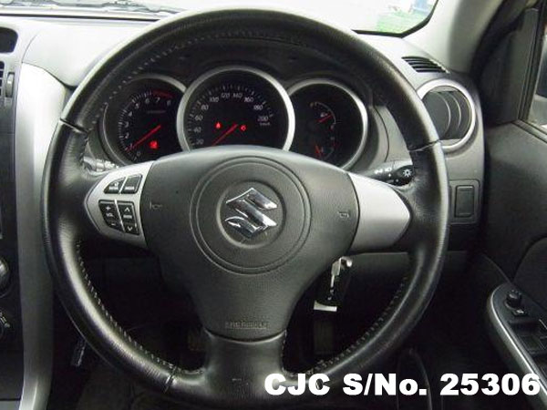 Suzuki Escudo Grand VitaraEngine View