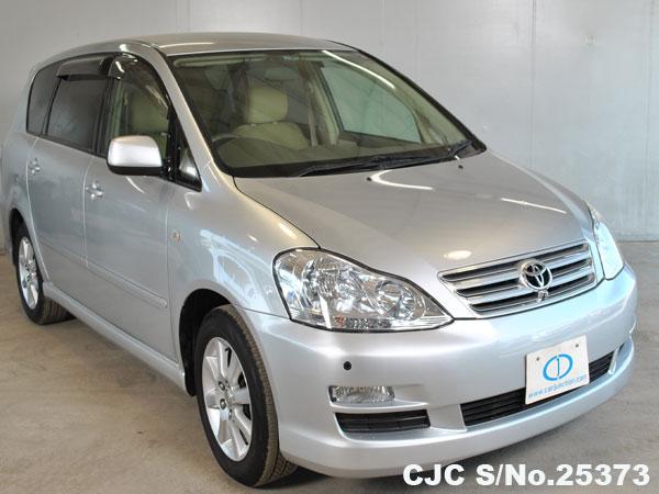 Toyota / Ipsum 2004 2.4 Petrol