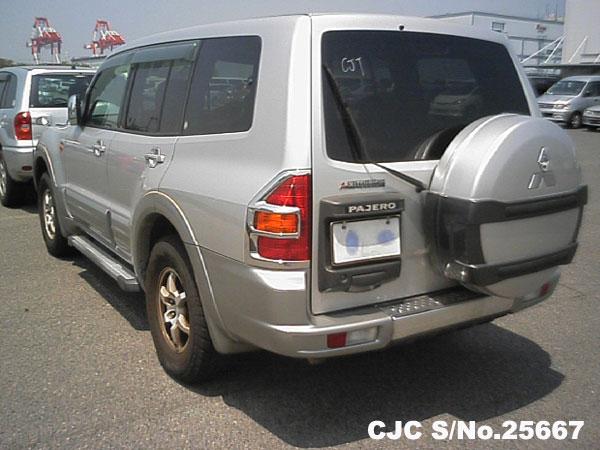 Front View Mitsubishi Pajero