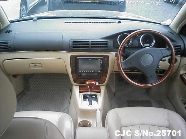 Volkswagen Passat Steering View