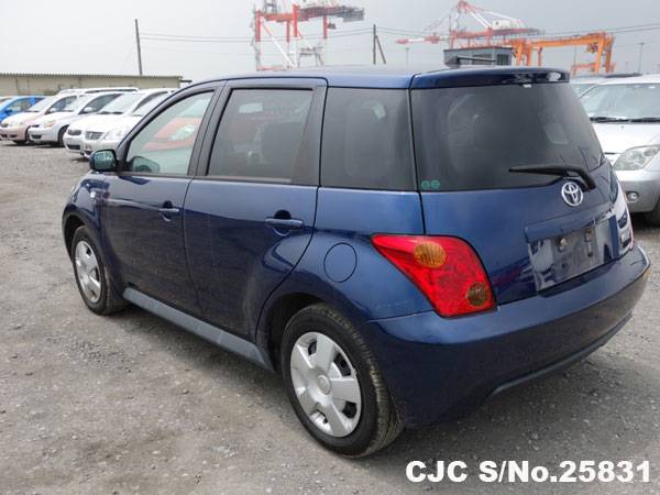 used 2006 IST rear View