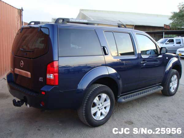 2005 model Nissan Pathfinder for Tanzania