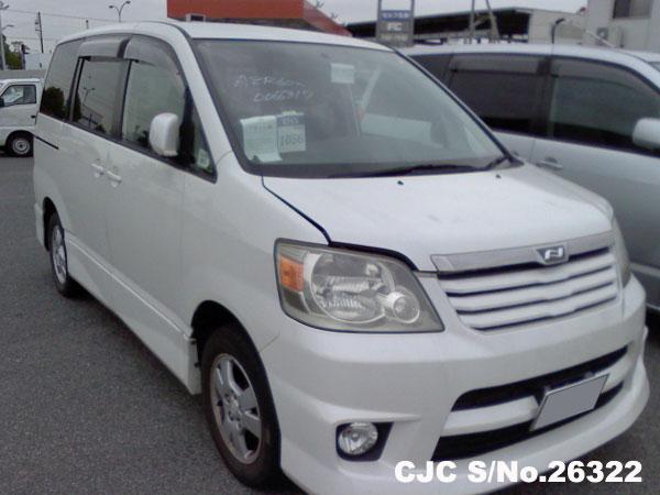 Toyota / Noah 2002 2.0 Petrol