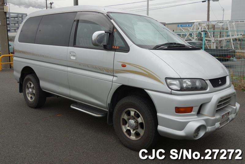 Mitsubishi / Delica 2004 3.0 Petrol