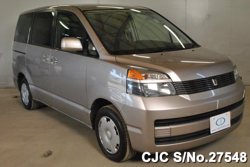 Toyota / Voxy 2002 2.0 Petrol