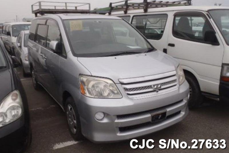 Toyota / Noah 2007 2.0 Petrol
