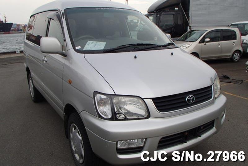 Toyota / Liteace Noah 2001 2.0 Petrol