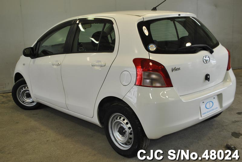 2005 Toyota / Vitz - Yaris Stock No. 48024