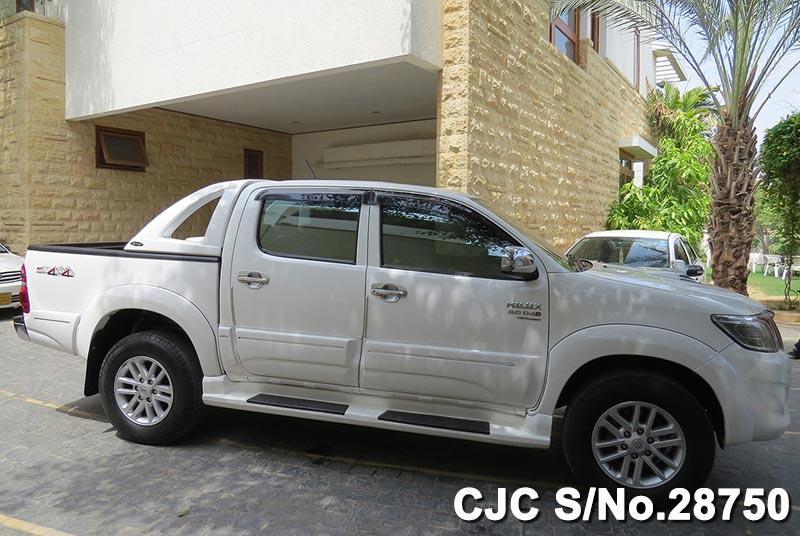 Find 2011 Toyota Hilux Vigo Online
