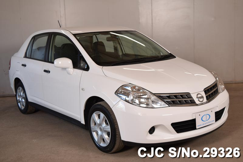 Japanese Made Nissan Tiida Latio Midsized Sedan Car