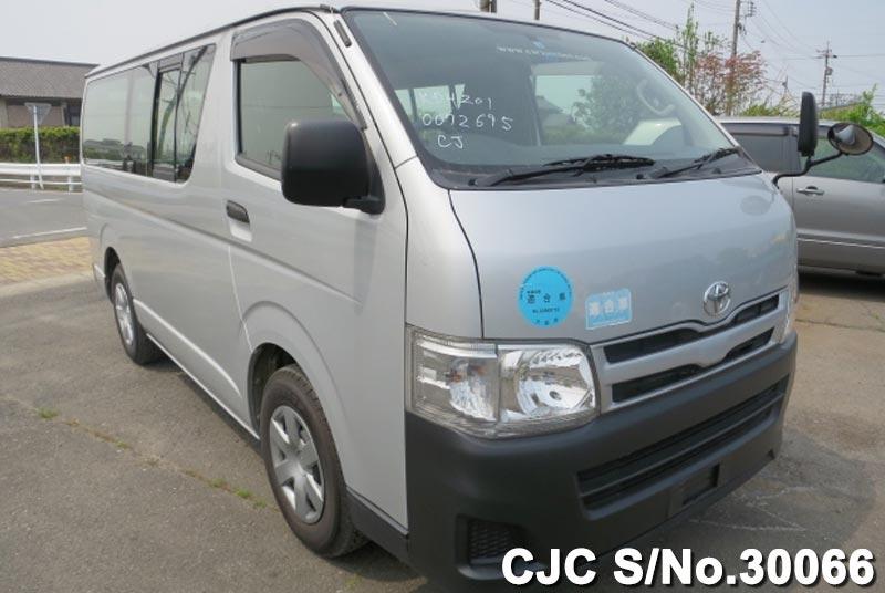 Toyota / Hiace 2011 3.0 Diesel
