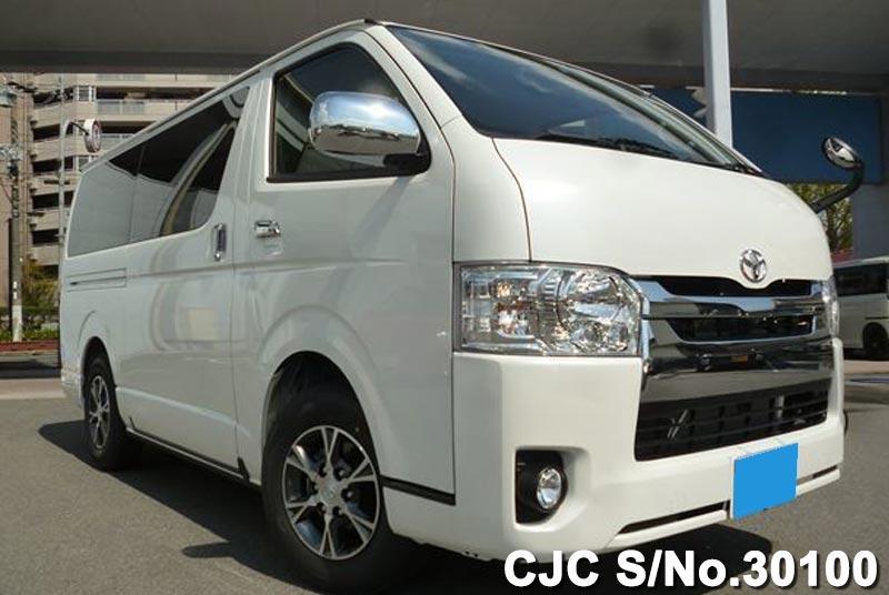 Toyota / Hiace 2015 2.0 Petrol