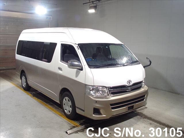 Toyota / Hiace 2011 2.7 Petrol