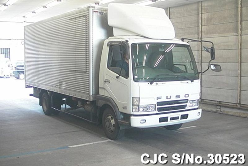 Mitsubishi / Fuso Fighter 2003 8.2 Diesel