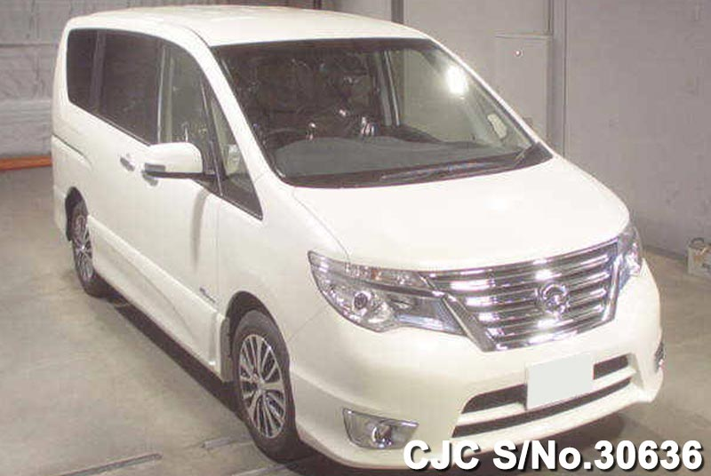 Nissan / Serena 2015 2.0 Petrol