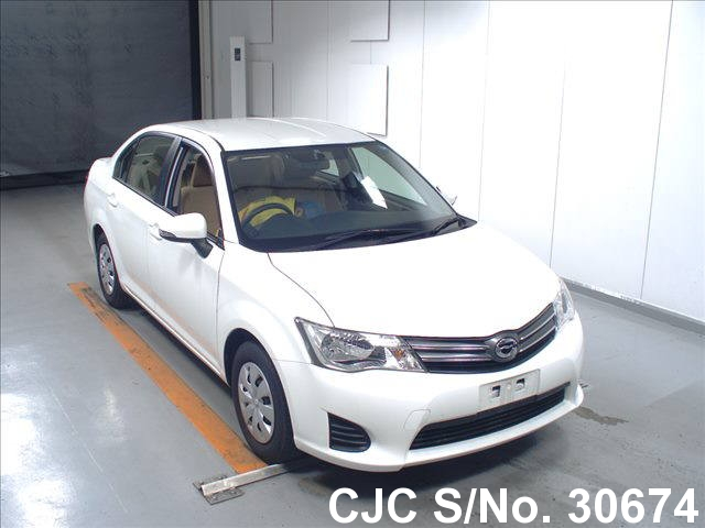 Toyota / Corolla Axio 2014 1.3 Petrol