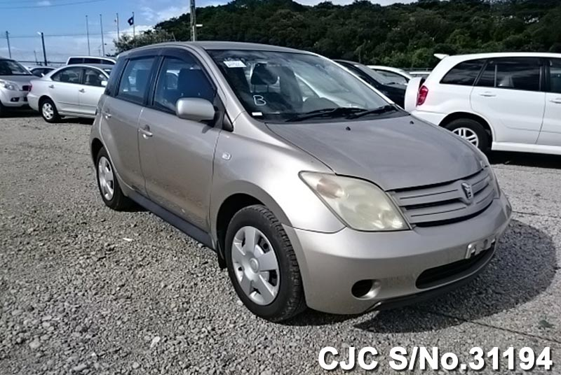 2002 Toyota Ist Beige For Sale | Stock No. 31194 | Japanese Used