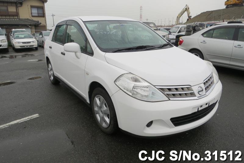 Nissan / Tiida Latio 2010 1.5 Petrol