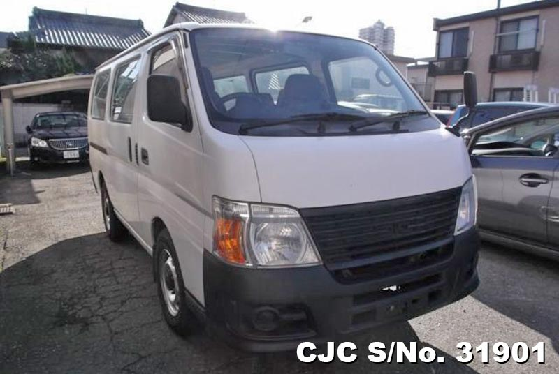 Nissan / Caravan 2008 2.0 Petrol