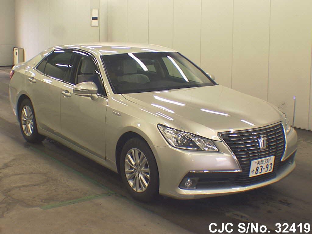 Toyota / Crown 2013 2.5 Petrol