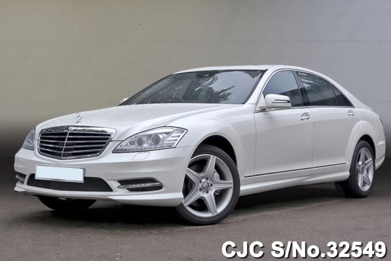 Diamond White Mercedes Benz S Class for Pakistan