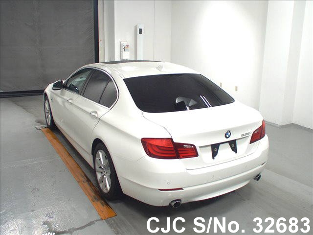 2010 bmw 5 series white for sale stock no 32683 japanese used cars exporter. Black Bedroom Furniture Sets. Home Design Ideas