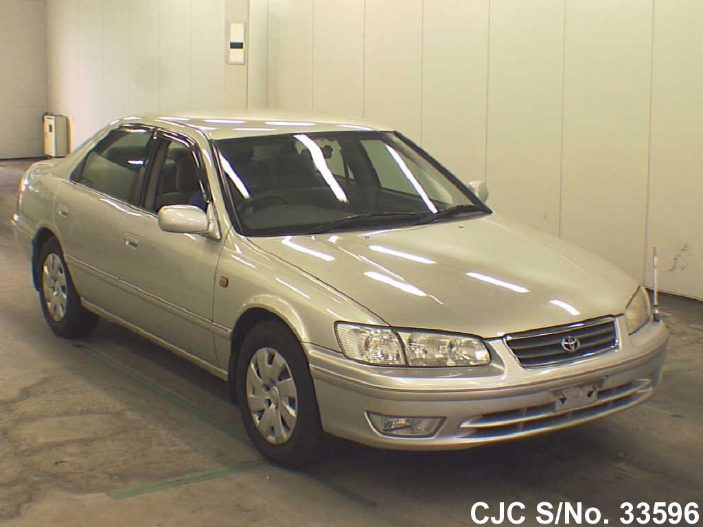 Toyota / Camry 1999 2.2 Petrol