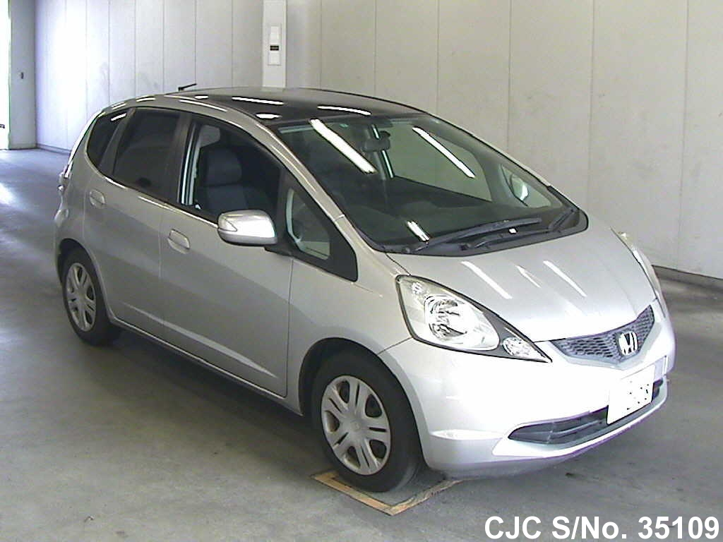 2009 honda fit jazz silver for sale stock no 35109 japanese used cars exporter. Black Bedroom Furniture Sets. Home Design Ideas