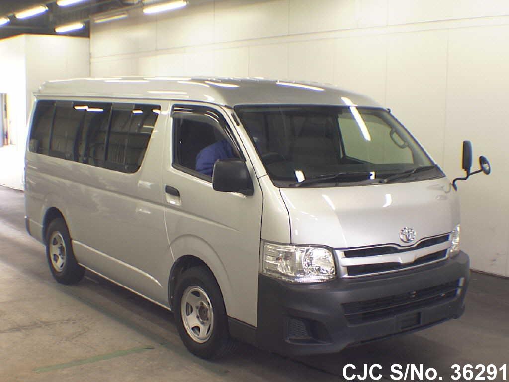Toyota / Hiace 2012 2.7 Petrol