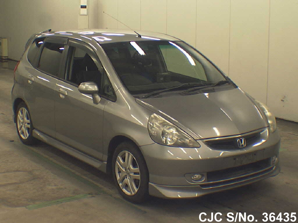 2002 honda fit jazz gray for sale stock no 36435 japanese used cars exporter. Black Bedroom Furniture Sets. Home Design Ideas
