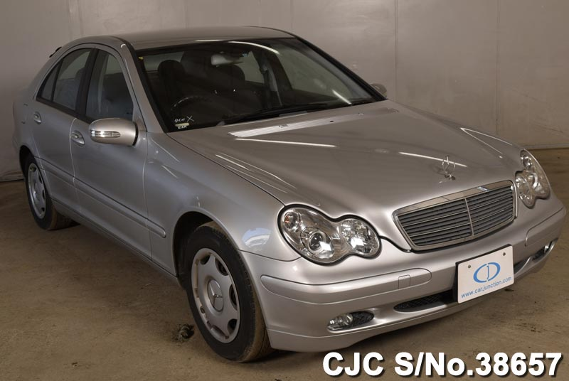 Mercedes Benz / C Class 2000 2.0 Petrol