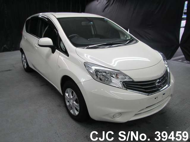 2012 nissan note silver for sale stock no 39924 japanese used cars exporter. Black Bedroom Furniture Sets. Home Design Ideas