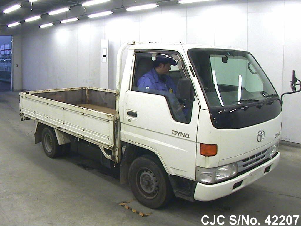Toyota / Dyna 1999 3.0 Diesel