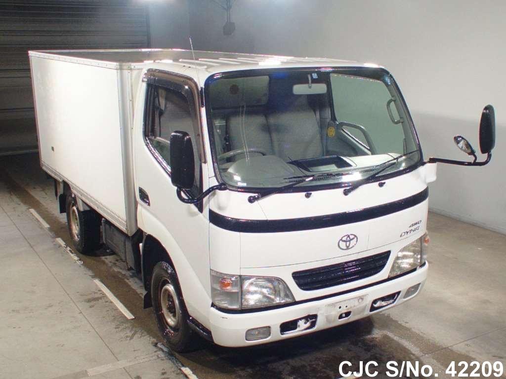 Toyota / Dyna 2002 3.0 Diesel