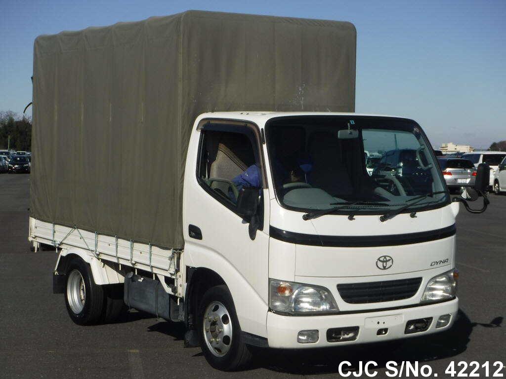 Toyota / Dyna 2003 2.0 Petrol