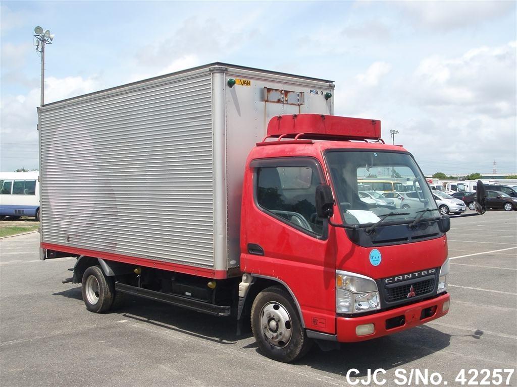 Mitsubishi / Canter 2003 4.2 Diesel