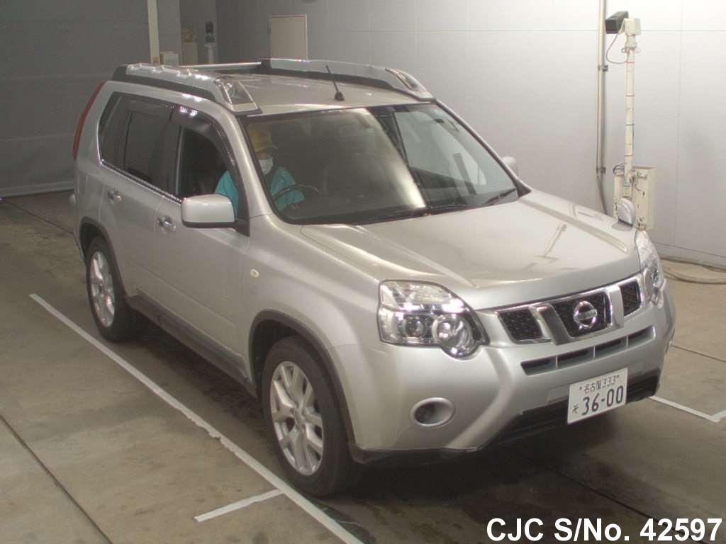 Nissan / X Trail 2011 2.0 Petrol