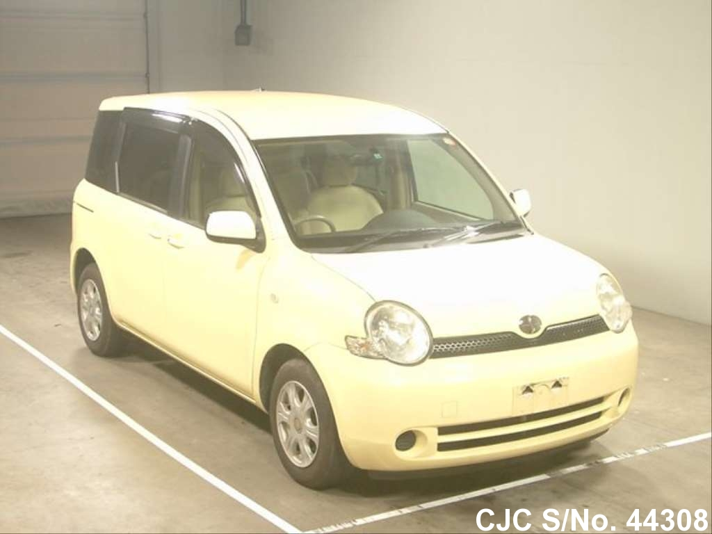 2004 toyota sienta yellow for sale