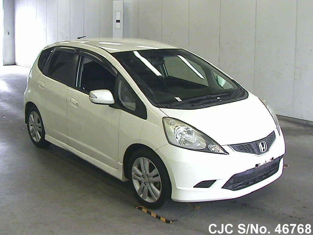 2009 honda fit jazz pearl for sale stock no 46768 japanese used cars exporter. Black Bedroom Furniture Sets. Home Design Ideas