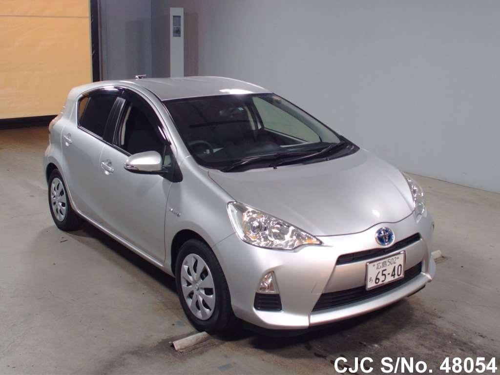 Toyota / Aqua 2013 1.5 Hybrid