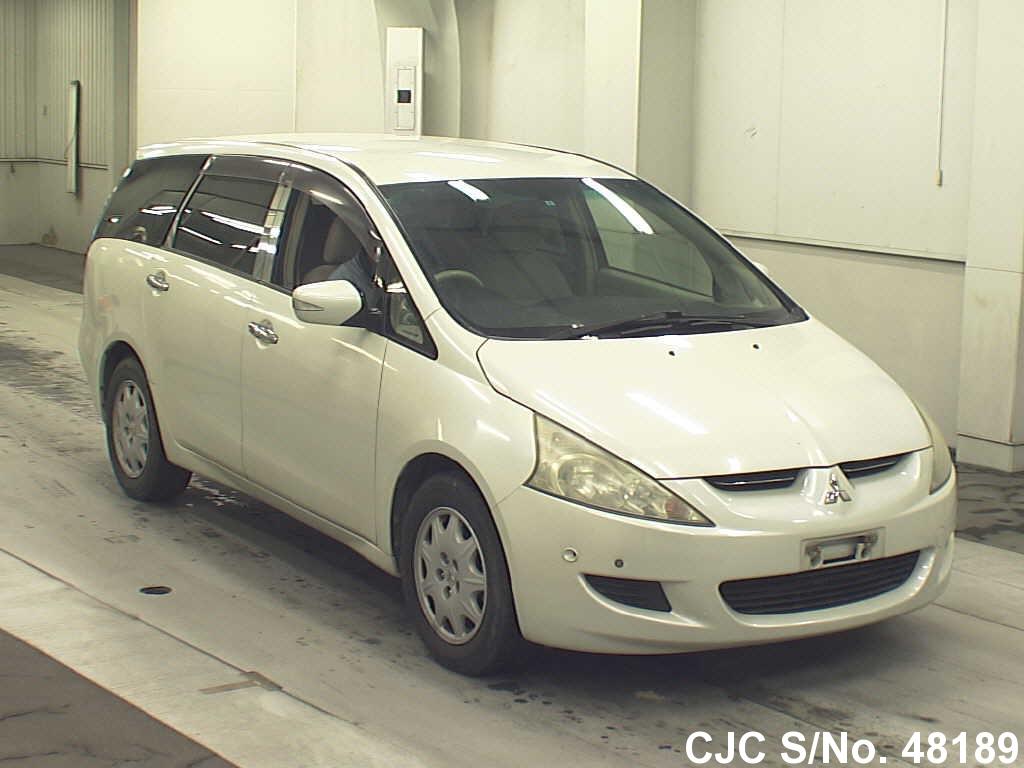Mitsubishi / Grandis 2003 2.4 Petrol