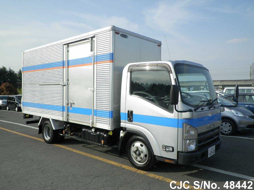 Isuzu / Elf 2011 3.0 Diesel