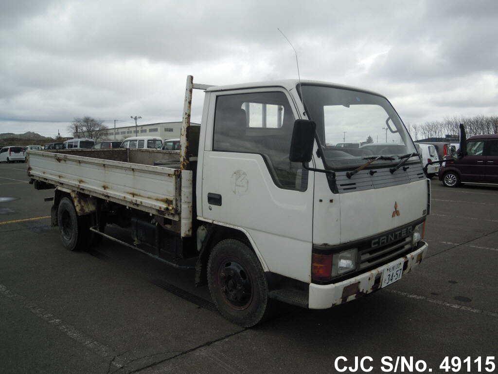 Mitsubishi / Canter 1990 3.3 Diesel